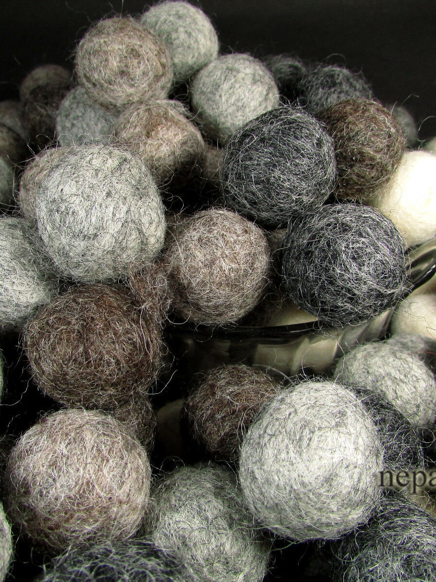 Decorative 2cm Wool Felt Ball Beads - F75